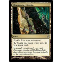 Schimmernde Grotte